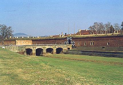 Procházíte obrázky z článku : Terezín - koncentrační tábor