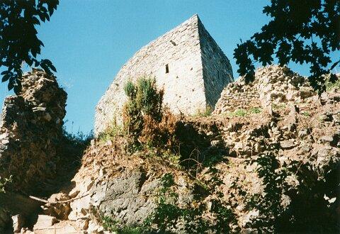 Procházíte obrázky z článku : Čap - Zbytky hradu
