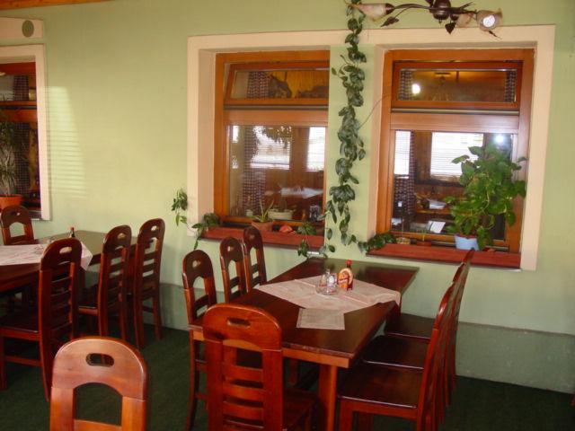 Procházíte obrázky z článku : Restaurant 'U Lišky'